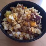 かなり消費期限がやばい納豆とさつまいもご飯で炒飯