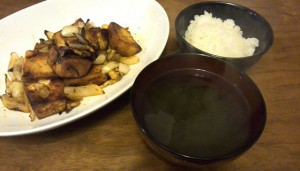 高野豆腐の焼肉のタレ炒め、とろろ昆布と白だしのおつゆ。