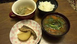 納豆、味噌汁、ごはん・・・と、カンパチ大根の味見