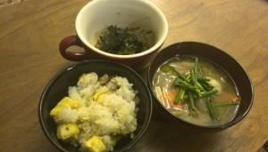 納豆と味噌汁とご飯