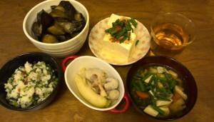 ナスの揚げだし風、冷奴、里芋と大根の煮物、味噌汁、菜飯