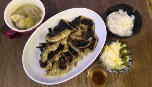 ポトフ、餃子、白菜漬け、胡瓜のぬか漬け