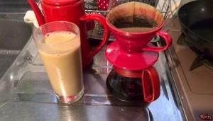 今朝はコーヒー牛乳だけ。