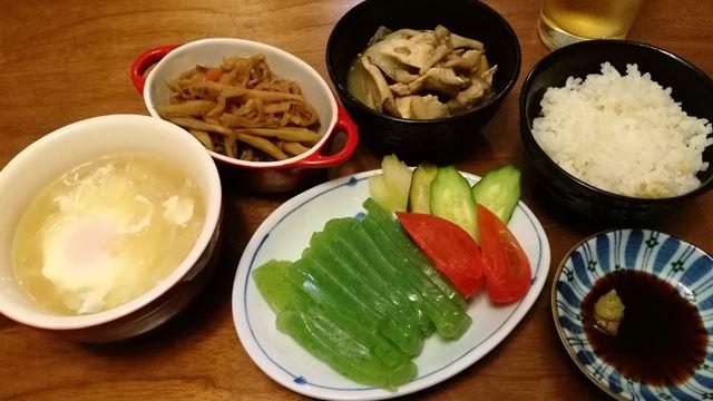 新玉葱スープと、余りモノの刺身蒟蒻、切干大根、鳥胸キノコ