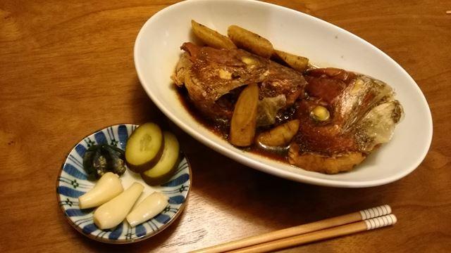 タイのあら炊き、ゴボウ付き