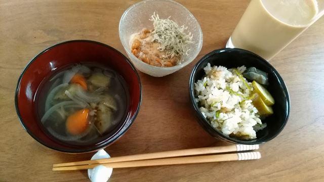 鯛飯と納豆と味噌汁