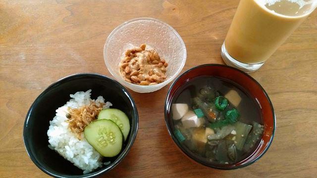 納豆、味噌汁、ご飯