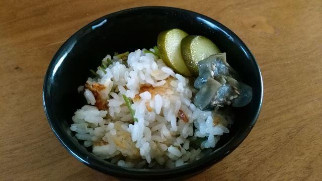 鯛飯と胡瓜と茄子のぬか漬け