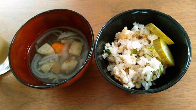 鯛飯と味噌汁