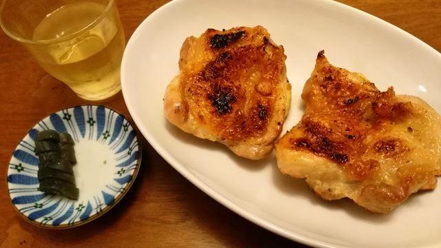 鶏モモ焼きとぬか漬け残り。