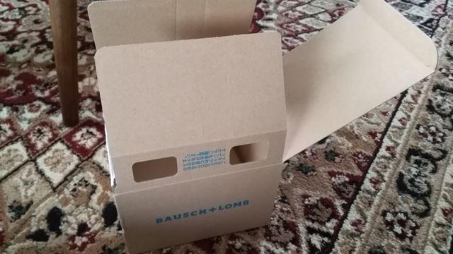 コンタクト送ってくる時の箱がお片づけに結構便利